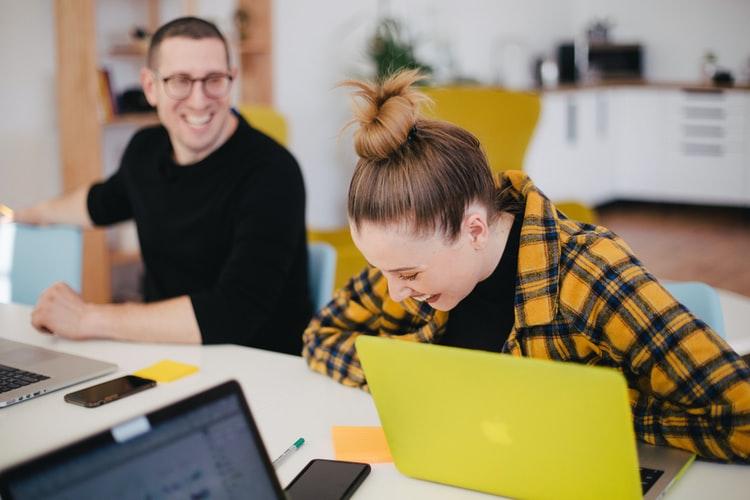10 motivos para construir a integração de novos colaboradores com a FábricaRH